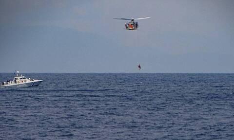 Ένοπλες Δυνάμεις: Εντυπωσιακές εικόνες από την άσκηση έρευνας και διάσωσης μεταξύ Ρόδου-Καστελόριζου