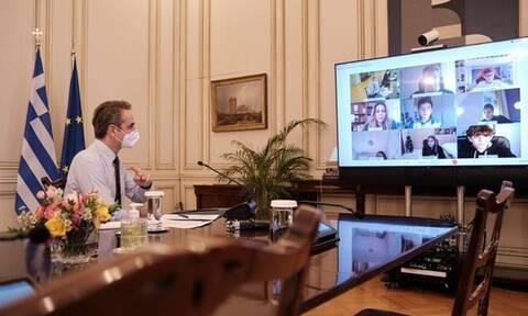 Τηλεδιάσκεψη Μητσοτάκη με την ψηφιακή τάξη της ΣΤ' δημοτικού του 8ου Δημοτικού Σχολείου Χανίων