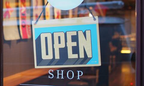 «click away»: Τι είναι και πώς ακριβώς θα ψωνίζουμε όταν ανοίξουν τα καταστήματα;