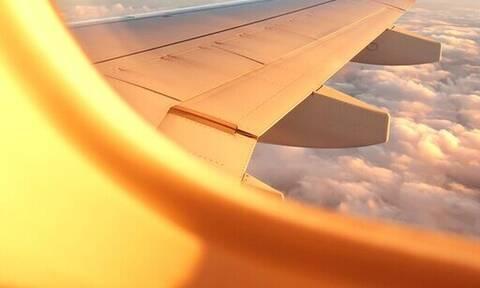 Είναι ασφαλές να μπεις σε αεροπλάνο και να φύγεις για Χριστούγεννα;