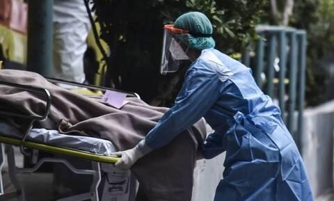 Κορονοϊός: Συγκλονίζει η σύζυγος του 57χρονου νικήθηκε από τη νόσο - «Δεν πρόλαβα να του πω σ'αγαπώ»
