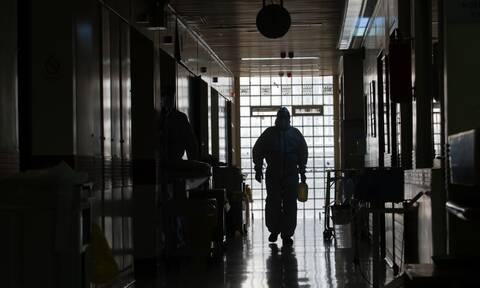 Κορονοϊός: Τι συμβαίνει εν ώρα εφημερίας στα νοσοκομεία της Αθήνας