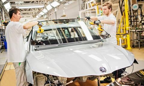 Δείτε στο βίντεο πως κατασκευάζεται ένα σύγχρονο αυτοκίνητο
