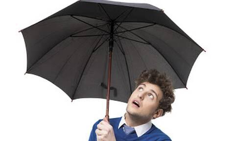 Για ποιο λόγο οι μαύρες ομπρέλες είναι γρουσουζιά μέσα στο σπίτι;