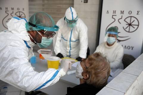 Pandemic very persistent despite three weeks of nationwide lockdown, says professor Papaevangelou