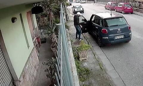 Δείτε μία απίστευτη κλοπή αυτοκινήτου στην Ιταλία (vid)