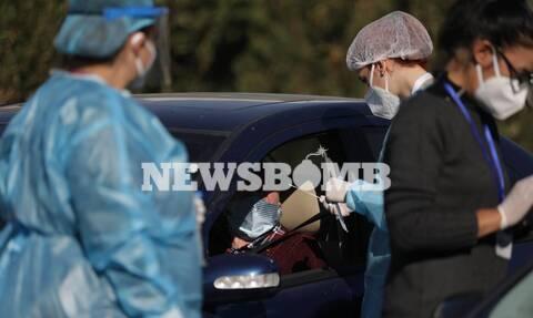Ρεπορτάζ Newsbomb.gr: Τεστ κορονοϊού μέσα από το αυτοκίνητο στη Γλυφάδα - Τι λέει ο δήμαρχος