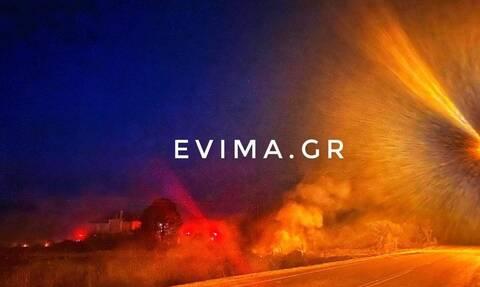 Φωτιά ΤΩΡΑ στο Αλιβέρι - Κοντά σε σπίτια οι φλόγες