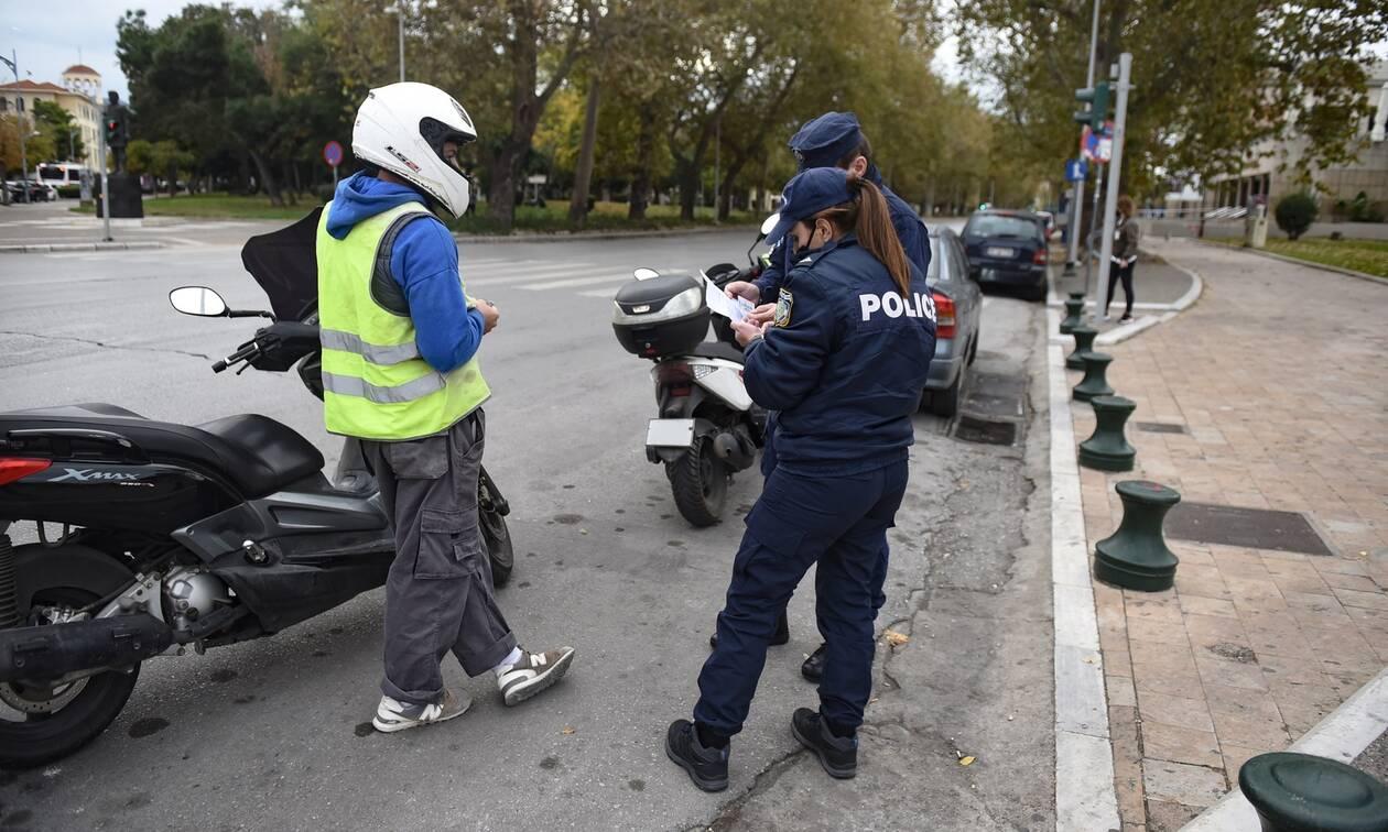 Κορονοϊός: Πρωτοφανές περιστατικό -  Οδηγός επιχείρησε να φύγει την στιγμή του ελέγχου