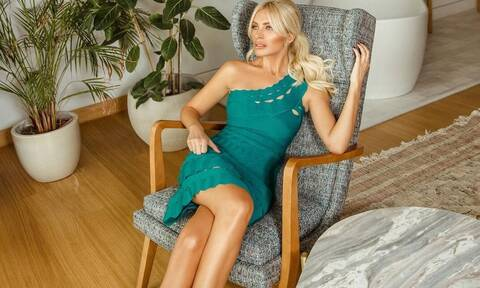 Η Κατερίνα Καινούργιου στόλισε το σπίτι της φορώντας το πιο hot σορτσάκι