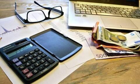Έρχεται «μπαράζ» πληρωμών: Τι ισχύει για επιδόματα, κληρονόμους και έκτακτο βοήθημα