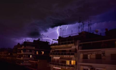 Κακοκαιρία: «Άνοιξαν» οι ουρανοί στην Αθήνα - Πού βρέχει καταρρακτωδώς