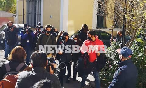 Σύλληψη Νότη Σφακιανάκη: Καρέ - καρέ η μεταφορά του στον Εισαγγελέα (pics)