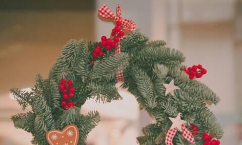 Φτιάξτε μόνοι σας χριστουγεννιάτικα στεφάνια