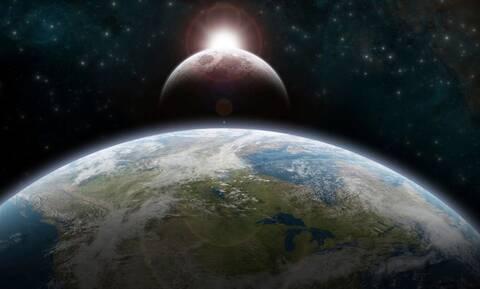 Πόσο γρήγορα θα έκανες τον γύρο της Γης, αν έτρεχες με ταχύτητα φωτός;