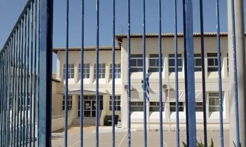 Σχολεία: Η απόφαση για το άνοιγμά τους και το σενάριο για κόψιμο των διακοπών των Χριστουγέννων