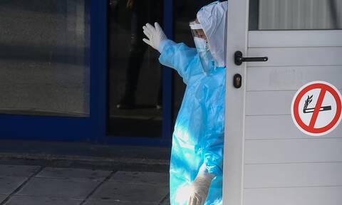 Διοικητής νοσοκομείου Κιλκίς: Fake news ότι χρησιμοποιήθηκαν σακούλες σκουπιδιών αντί για ποδονάρια