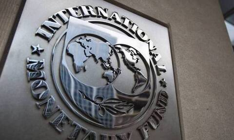 ΔΝΤ: Επαρκής η μεσοπρόθεσμη ικανότητα αποπληρωμής του ελληνικού χρέους – Οι προϋποθέσεις
