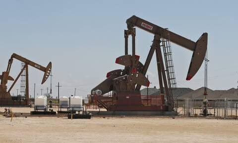 Με πτώση έκλεισε ο μήνας στη Wall Street - Ράλι 27% για το πετρέλαιο το Νοέμβριο