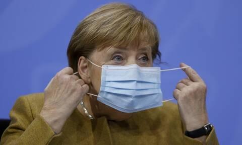 Κορονοϊός - Η Μέρκελ προειδοποιεί: Υπάρχει κίνδυνος να εκδηλωθεί το τρίτο κύμα αν δεν προσέξουμε