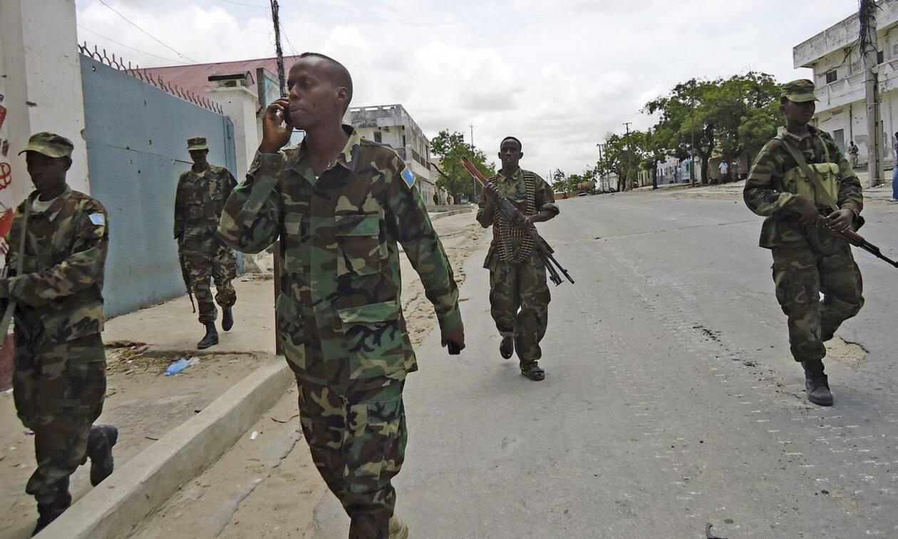 Σομαλία: Τριάντα νεκροί σε μάχες μελών της Σεμπάμπ με οπλισμένους χωρικούς
