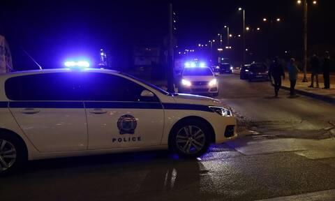 Σοκ για την τραγωδία στα Καλύβια: Καυγάδισε με τη μητέρα του και αυτοκτόνησε μπροστά σε αστυνομικούς