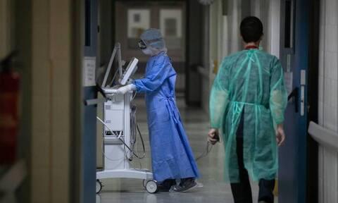 Κορονοϊός: Στη μάχη δεκάδες φοιτητές της Ιατρικής του ΑΠΘ - Θα γίνουν εθελοντές στα νοσοκομεία