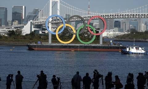 Το μνημείο των πέντε Ολυμπιακών κύκλων επέστρεψε στο Τόκιο (pics)