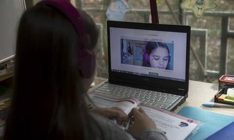 Σχολεία: Σενάριο για άνοιγμα σε «δύο ταχύτητες» - Ο γρίφος που καλούνται να λύσουν οι ειδικοί