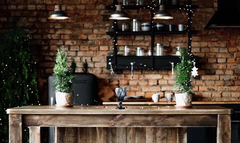 Δέκα χριστουγεννιάτικες ιδέες για να στολίσετε την κουζίνα σας