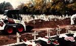 Κορονοϊός: Ανατριχιαστικές εικόνες στο κοιμητήριο Θέρμης - Στη σειρά εκατοντάδες μνήματα θυμάτων