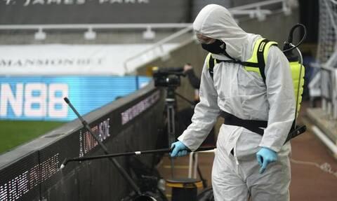 Premier League: Περίμεναν κόσμο στα γήπεδα και προέκυψε αναβολή λόγω κορονοϊού