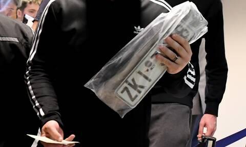 Κατάθεση πινακίδων από το σπίτι - Στη Βουλή οδεύει η τροπολογία