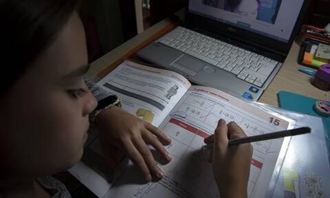 Σχολεία: Ημερομηνία - κλειδί η 14η Δεκεμβρίου - Τα σενάρια που εξετάζoυν κυβέρνηση και ειδικοί