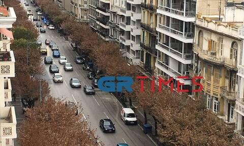 Κορονοϊός - Θεσσαλονίκη: Απίστευτη κίνηση στους δρόμους παρά το lockdown