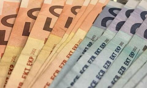 Βρούτσης: Πώς και πότε θα πληρωθεί το Δώρο Χριστουγέννων – Τι θα ισχύσει για συντάξεις
