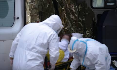 Κορονοϊός:  Γιατί δεν υποχωρεί η πανδημία - «Το lockdown πρέπει να κρατηθεί»