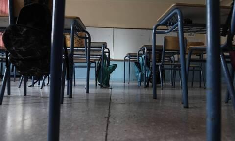 Κορονοϊός: Αγωνία για το άνοιγμα των σχολείων - Ο διχασμός και η ημερομηνία «κλειδί»