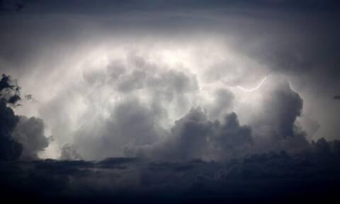 Καιρός: Βροχερή η Πέμπτη - Πού και πότε αναμένονται χιόνια και ισχυρές καταιγίδες