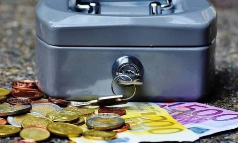 ΟΑΕΔ - Επίδομα 400 ευρώ σε ανέργους: Πότε καταβάλλεται - Ποιοι είναι οι δικαιούχοι