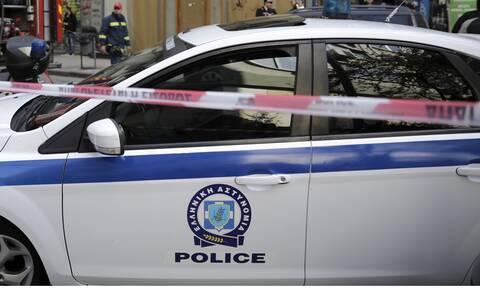Σοβαρό τροχαίο για δύο αστυνομικούς έπειτα από επιχείρηση σύλληψης ναρκεμπόρων στη Βούλα