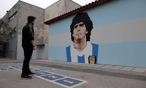 Ντιέγκο Μαραντόνα: Δρόμος στην Ελλάδα «πήρε» το όνομά του (photos)