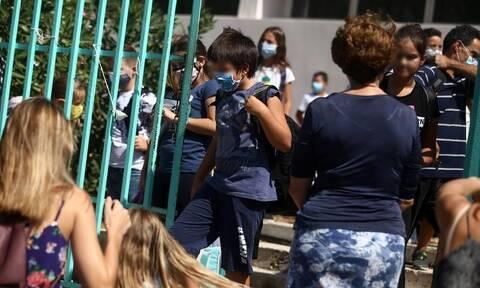 Κορονοϊός: «Όχι» από τους λοιμωξιολόγους στο άνοιγμα των σχολείων