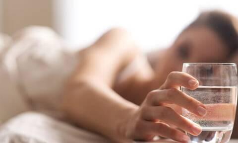 Υγεία: Αυτό που πρέπει να κάνεις κάθε πρωί με το που ξυπνάς