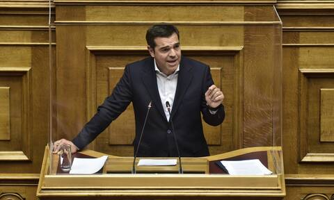 Tsipras accuses prime minister of double standards in observing restriction measures