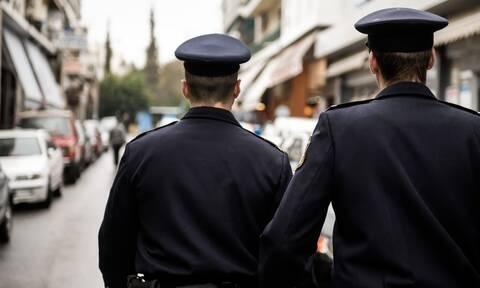 Κορονοιός: Τα sms της οργής από τους αστυνομικούς - «Υπηρεσία πριν βγει το Covid-test»