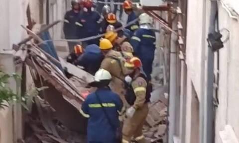 Σάμος: Κατεδαφίζεται το κτίριο όπου βρήκαν τραγικό θάνατο στον σεισμό η Κλαίρη και ο Άρης