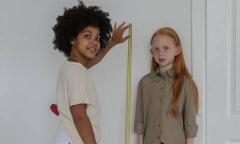 Σε ποια ηλικία σταματούν να ψηλώνουν τα κορίτσια;