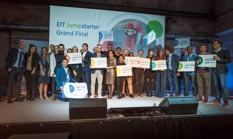EIT Jumpstarter 2020: Διάκριση για την ελληνική συσκευή ανακύκλωσης απορριμμάτων καφέ Coffeco