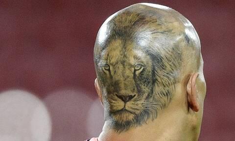 Κορονοϊός: Άρχισε να χάνει τα μαλλιά του – Έκανε ένα λιοντάρι στο κεφάλι του! (video+photos)
